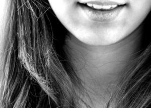 3 силни домашни средства за избелване на зъбите